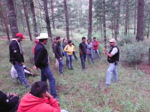 """Ejidatarios de los ejidos de Amanalco conociendo la experiencia de manejo forestal en la Reserva Multifuncional """"El Manantial"""""""